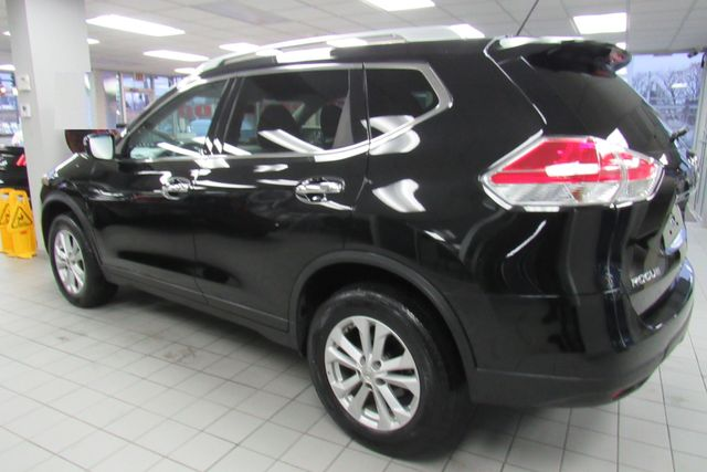 2016 Nissan Rogue SV Chicago, Illinois 3