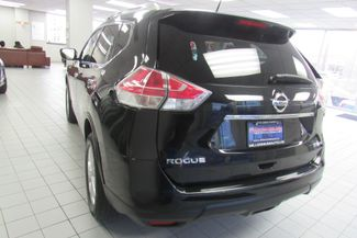 2016 Nissan Rogue SV Chicago, Illinois 4
