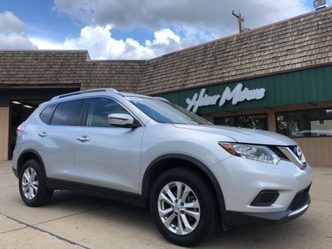 2016 Nissan Rogue SV in Dickinson, ND