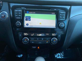 2016 Nissan Rogue SV Farmington, MN 8