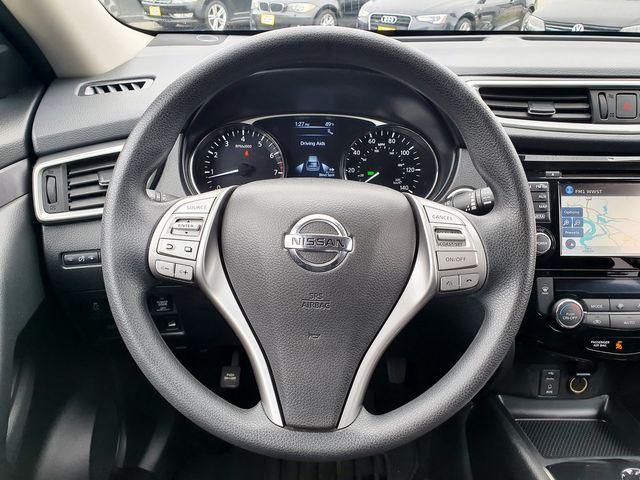 2016 Nissan Rogue SV AWD Premium w/Navigation in Louisville, TN 37777
