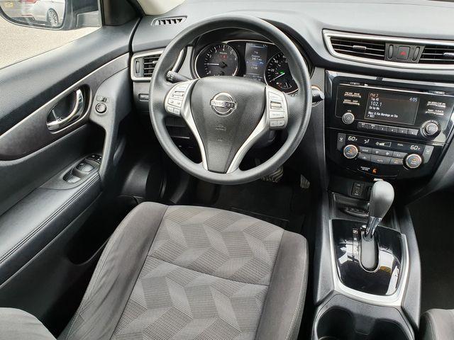 "2016 Nissan Rogue SV PREMIUM PACKAGE w/17"" Aluminum Wheels in Louisville, TN 37777"