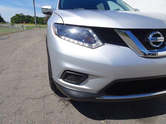 2016 Nissan Rogue SV Madison, NC 8