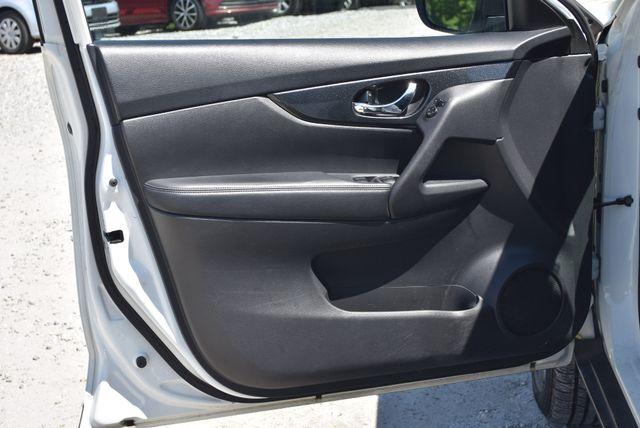 2016 Nissan Rogue SL Naugatuck, Connecticut 12