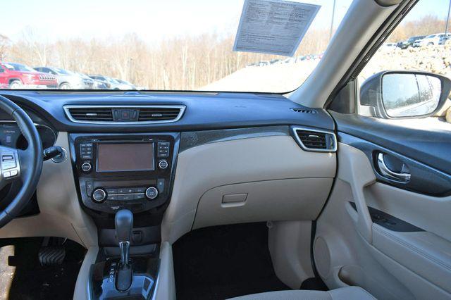 2016 Nissan Rogue SL Naugatuck, Connecticut 18