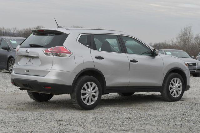 2016 Nissan Rogue S Naugatuck, Connecticut 4