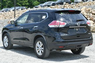 2016 Nissan Rogue SV Naugatuck, Connecticut 2