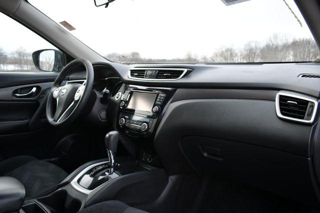 2016 Nissan Rogue SV Naugatuck, Connecticut 10