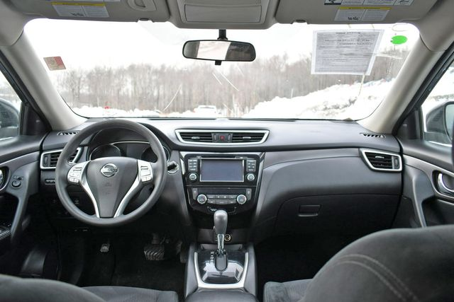 2016 Nissan Rogue SV Naugatuck, Connecticut 19