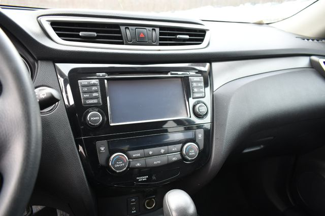 2016 Nissan Rogue SV Naugatuck, Connecticut 24