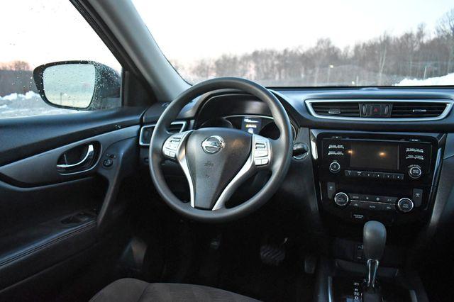 2016 Nissan Rogue SV Naugatuck, Connecticut 17