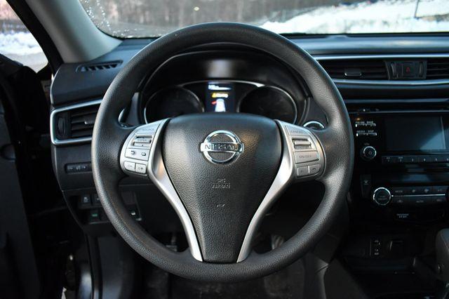 2016 Nissan Rogue SV Naugatuck, Connecticut 22