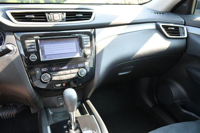 2016 Nissan Rogue SV AWD Naugatuck, Connecticut 24