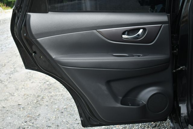 2016 Nissan Rogue SV AWD Naugatuck, Connecticut 12