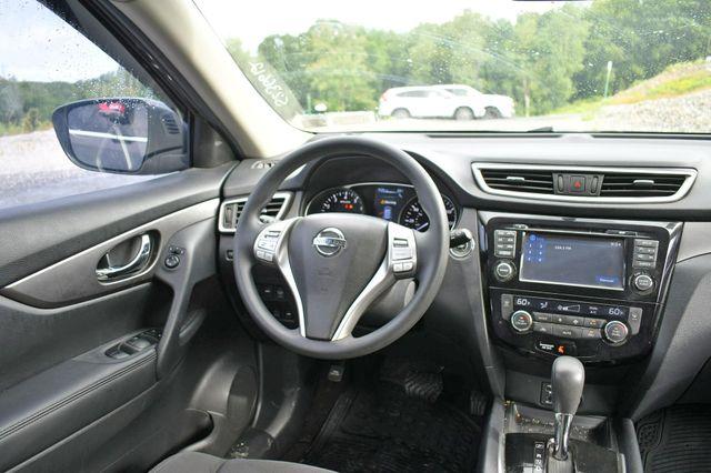 2016 Nissan Rogue SV AWD Naugatuck, Connecticut 15