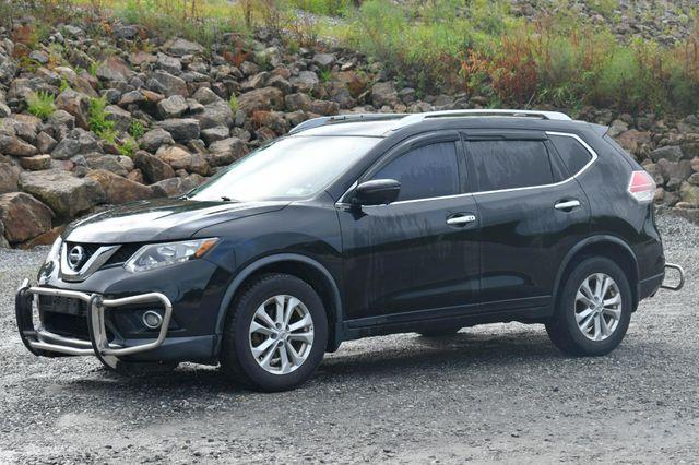 2016 Nissan Rogue SV AWD Naugatuck, Connecticut 2