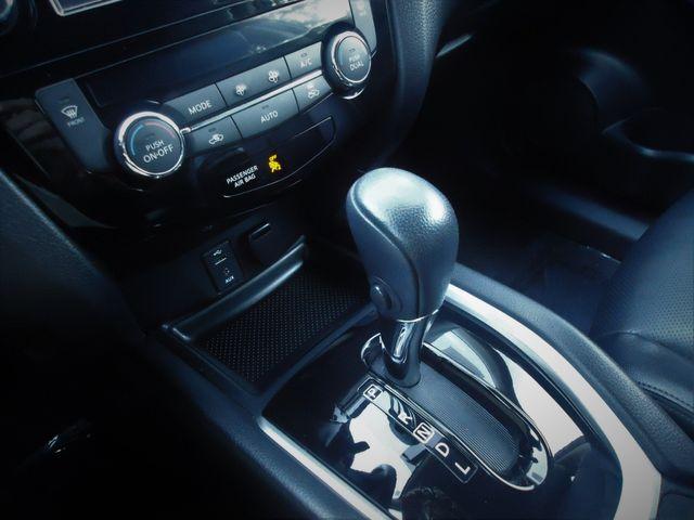 2016 Nissan Rogue AWD SL PREM PKG PANORAMIC. NAVIGATION SEFFNER, Florida 34