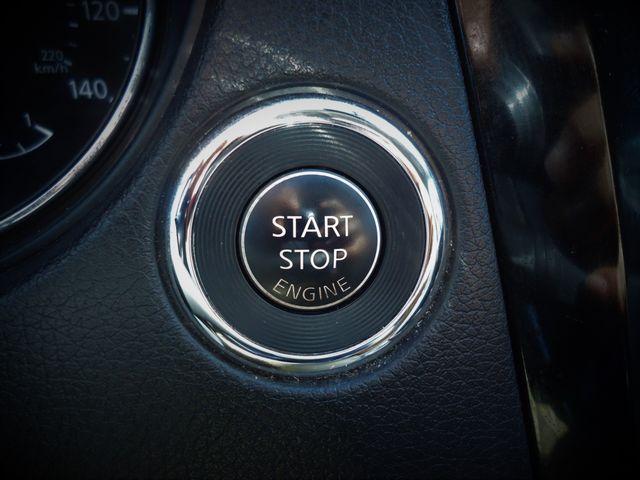 2016 Nissan Rogue SV AWD PREM PKG. PANORAMIC. NAVIGATION SEFFNER, Florida 34