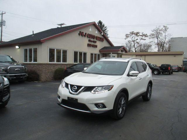 2016 Nissan Rogue SL in Troy, NY 12182