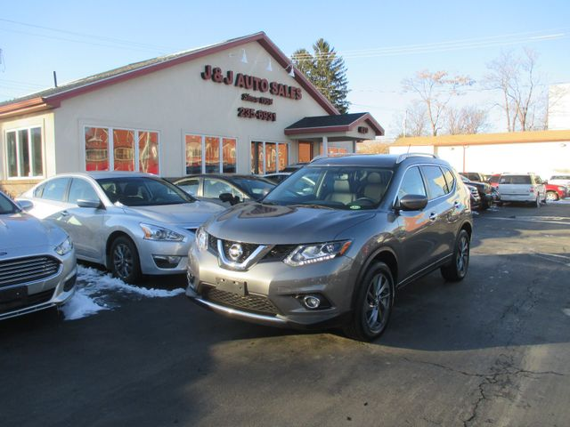 2016 Nissan Rogue SL in Troy, NY 12182