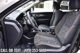 2016 Nissan Rogue SV Waterbury, Connecticut 13