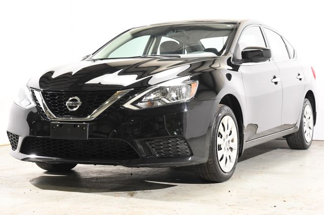 2016 Nissan Sentra SV w/ Navigation / Heated Seats