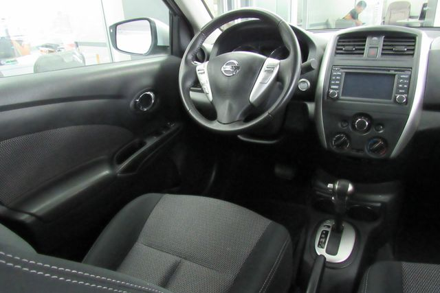 2016 Nissan Versa SL Chicago, Illinois 21