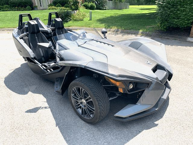 2016 Polaris Slingshot Gloss Black in Knoxville, Tennessee 37920