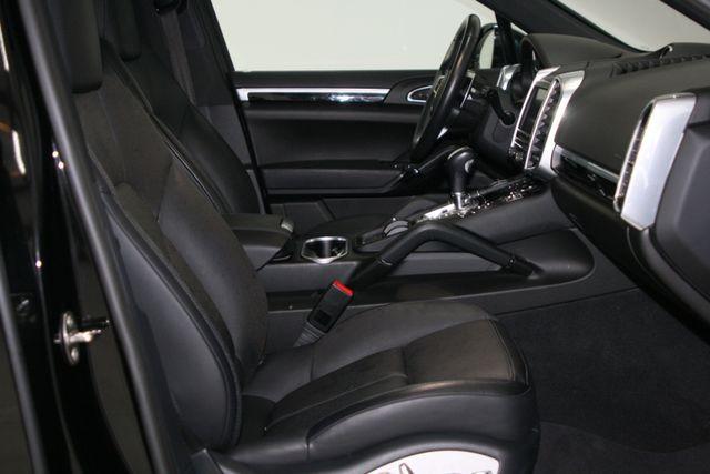 2016 Porsche Cayenne Premium Houston, Texas 14