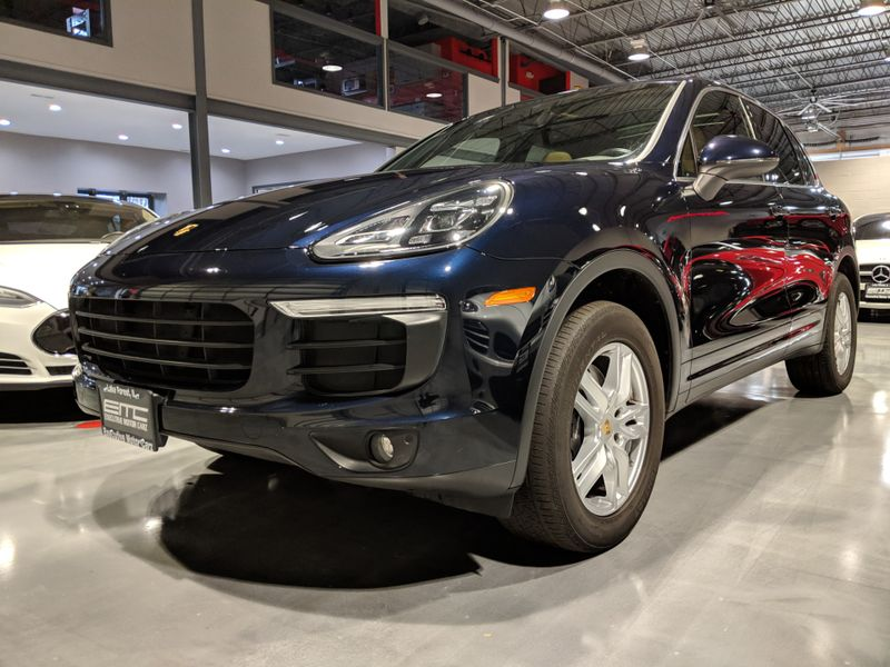2016 Porsche Cayenne   Lake Forest IL  Executive Motor Carz  in Lake Forest, IL