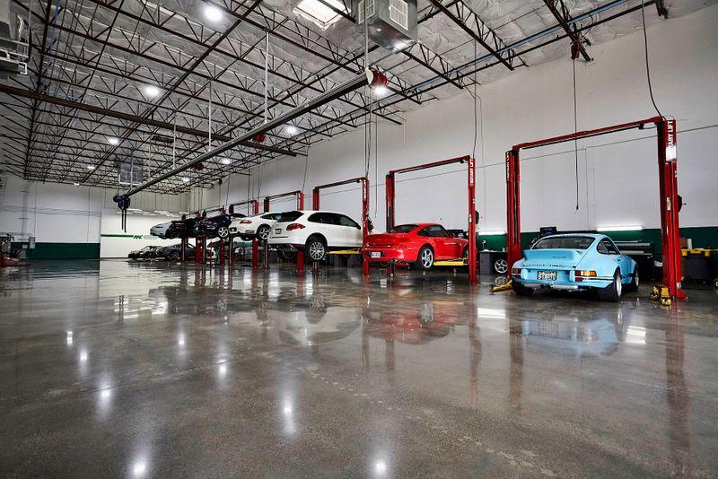 2016 Porsche Cayman GT4 in Carrollton, TX