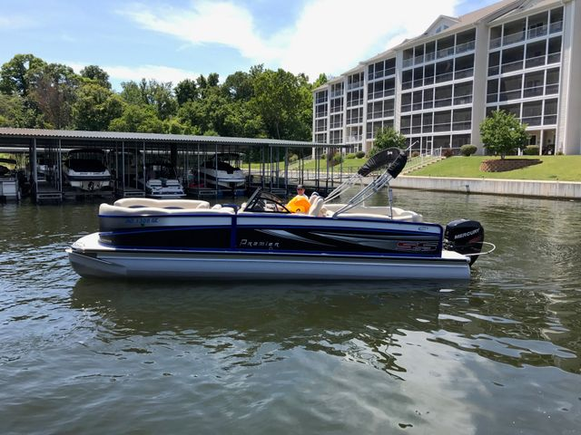 2016 Premier Premier 270 S-Series in Gower Missouri, 64454