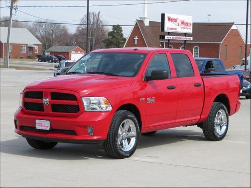 2016 Ram 1500 Express Crew Cab 4WD ONLY 4000 MILES! in Ankeny IA