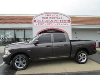 2016 Ram 1500 Express Crew 4WD in Fremont OH, 43420
