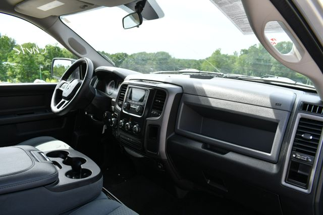 2016 Ram 1500 Express 4WD Naugatuck, Connecticut 10