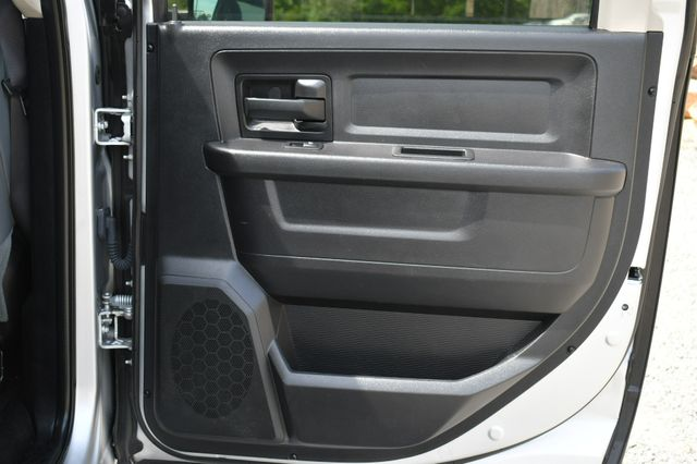 2016 Ram 1500 Express 4WD Naugatuck, Connecticut 12