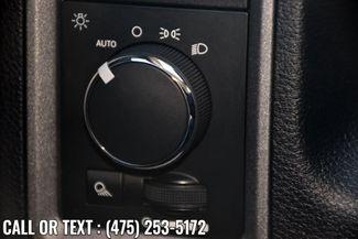 2016 Ram 1500 4WD Crew Cab Express Waterbury, Connecticut 21