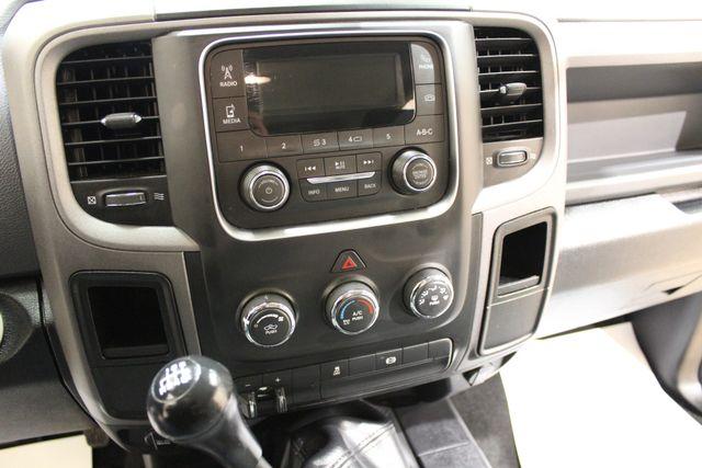 2016 Ram 2500 manual 4x4 Diesel Tradesman in Roscoe IL, 61073