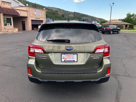 2016 Subaru Outback 2.5i Limited | Ashland, OR | Ashland Motor Company in Ashland, OR