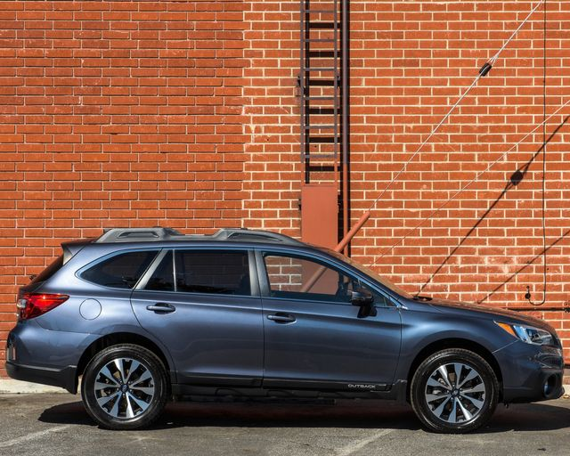 2016 Subaru Outback 2.5i Limited Burbank, CA 3