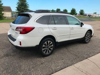 2016 Subaru Outback 2.5i Limited Farmington, MN 1