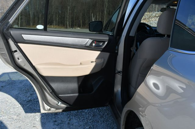 2016 Subaru Outback 2.5i Premium Naugatuck, Connecticut 13