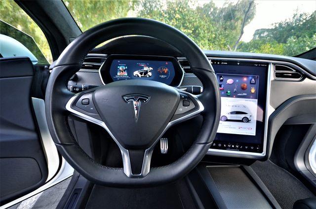 2016 Tesla Model X P90D Reseda, CA 4