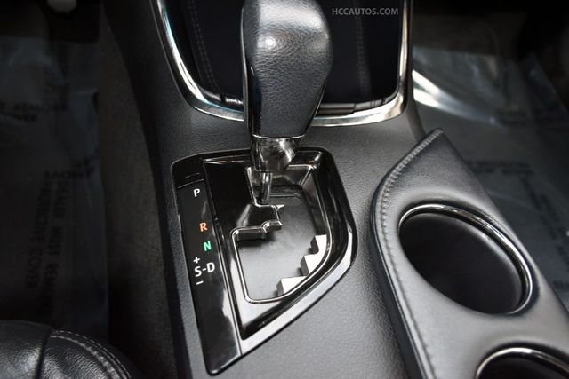 2016 Toyota Avalon XLE Premium Waterbury, Connecticut 32