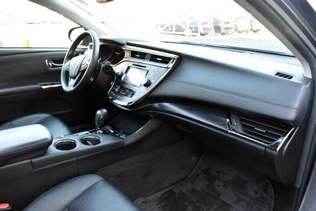 2016 Toyota Avalon 4dr Sdn XLE Premium Waterbury, Connecticut 22