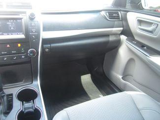 2016 Toyota Camry SE Batesville, Mississippi 22