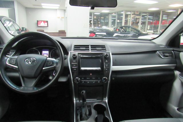 2016 Toyota Camry SE W/ BACK UP CAM Chicago, Illinois 17
