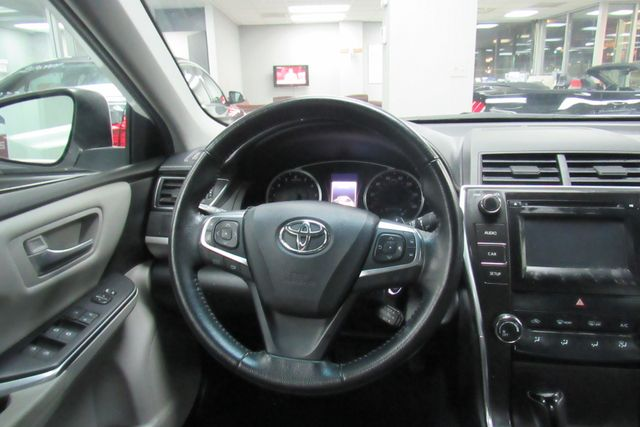 2016 Toyota Camry SE W/ BACK UP CAM Chicago, Illinois 18
