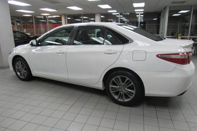 2016 Toyota Camry SE W/ BACK UP CAM Chicago, Illinois 4