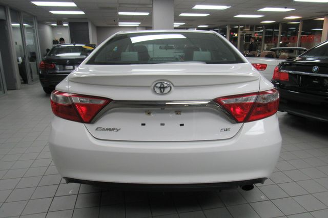 2016 Toyota Camry SE W/ BACK UP CAM Chicago, Illinois 5